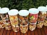 Мед с орехами и сухофруктами - фото 5